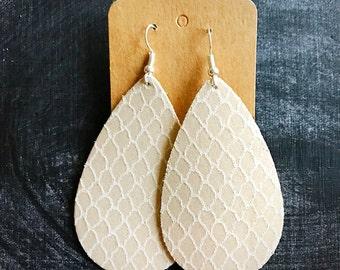Cream Embossed Quatrefoil Leather Teardrop Earring, leather statement earring, Quatrefoil Earring