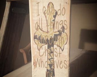 Distressed verse sign