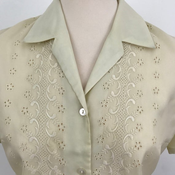 vintage blouse nylon embroidery anglaise top floral embroidery button through shirt UK 12 vintage 1960s grey cream 50s 60s Mod 1940s budget