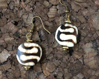 Afrocentric Jewelry - Swirl Print Batk Bone Earrings