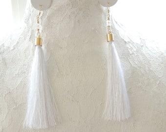 White Silk Tassel Earrings, Boho Tassel Earrings,Fringe Earrings, Dangle Earrings, White Wedding Earrings, Tassel Jewelry