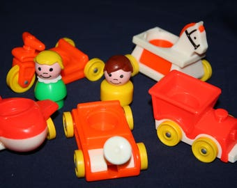 FISHER PRICE Little People Play Family RIDERS 656 Peoples Orange Riding Toys