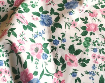 70s retro vintage fabric. Made in Sweden. Mod floral pattern. Cotton. Great condition.
