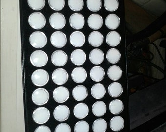 Trays for beads and gemstones, with 50 cups and lids