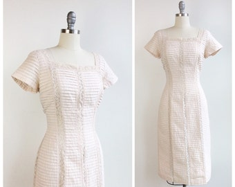 50s Cream Cotton & Lace Wiggle Dress / 1950s Vintage Rib Hourglass Dress / Large / Size 10