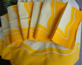 Vintage Vera Neumann Napkins And Tablecloth Set