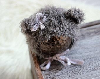 Newborn Bear Hat//Newborn Props//Knit Baby Hat//Fuzzy Grey Knitted Bear Hat with Bow//Bear Bonnet//Baby Shower Gift//Newborn Photo Prop