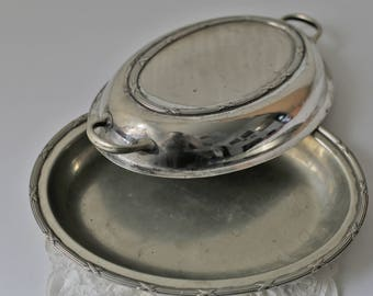 Vintage Silver Plated Oval Covered Vegetable Serving Bowl Dish With Lid. Made in England.