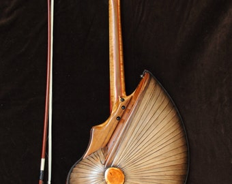 The Root. Unique musical instrument by Rays Rootworks.