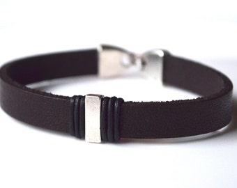 Brown leather men bracelet