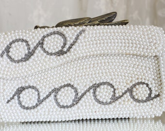 Vintage Beaded Evening Clutch / Beaded Bag / Faux Pearl / Bags and Purses