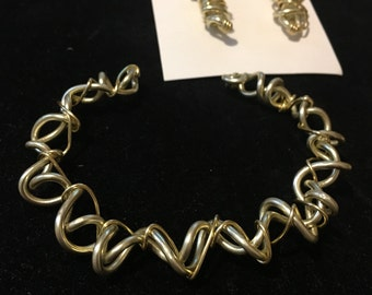 Womens,gold ,aluminum, wire, twisted cuff bracelet, aluminum wire earrings. Aluminum jewelry