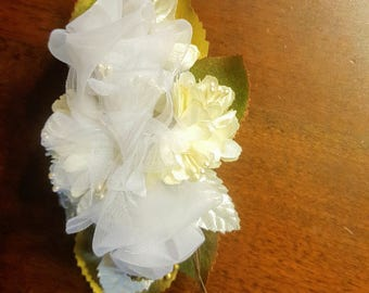 Lace white roses hair comb