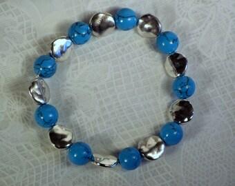 """Cynthia Lynn """"SANTA FE"""" Blue Turquoise Howlite Hammered Silver Stretch Bracelet"""