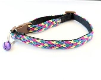 Rainbow Breakaway Cat Collar, Friendship Bracelet Pattern, Safety Clasp, Adustable Collar, Kitten Collar, Modern Collar, Colorful Collar