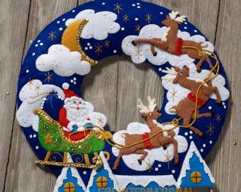 Bucilla Over The Rooftop Wreath ~ Felt Christmas Home Decor Kit #86736 Santa DIY