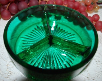 "Forest Green Glass 3 Section Starburst Bottom 5-1/8"" Serving Dish"