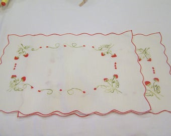 Set of 3 strawberry embroidered placements, vintage, clean