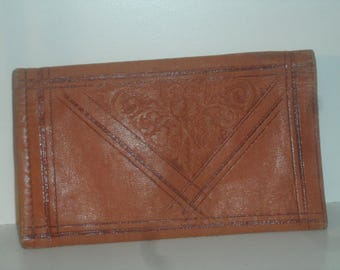 20517ST01 Vintage WALLET Bi Fold Wallet Leather Wallet Etched Leather
