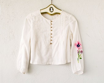 Vintage 70s Peasant Hippie Floral Boho Crop Top // Pink White Blue Embroidered Shirt