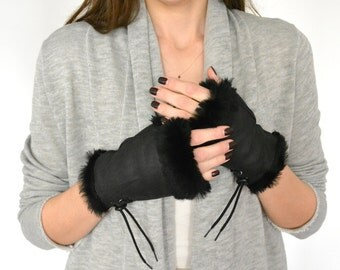 Fingerless Gloves, Leather Fingerless Gloves, Shearling Fur Gloves, Womens Gloves, Sheepskin Gloves, Leather Gloves Women, Black Gloves
