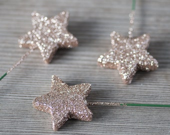 Sparkling Christmas Star Toppers Birthday Party Decorations Glittering Foam Stars for Christmas Table Decor Large Star Toppers Brocade Stars