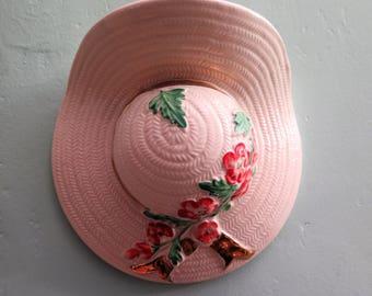 Vintage Wall Vase - Vintage Hat Wall Vase - 1950s Ceramic Wall Vase - Bonnet Wall Vase - Vintage Vase - Wall Pocket - Vintage Wall Pocket