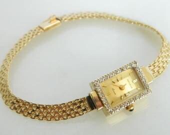 Wonderful Geneve 14K Gold & Diamond Ladies Wrist Watch 7 inches