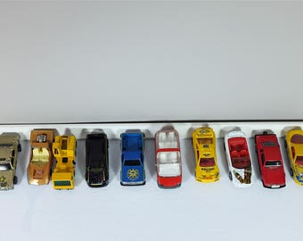 Lot of 10 vintage toy cars: 3 Matchbox, 2 Hot Wheels, 4 Majorette, 1 not identified - Collection of small retro child cars