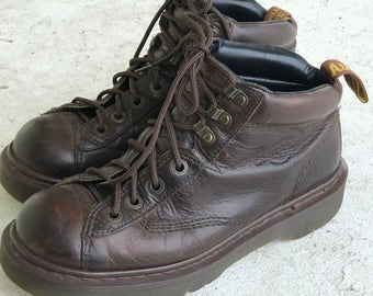 Doc Dr. Martens Brown Leather Hikers  Men's Size 8/Women's size 9.5/Air Wair/Bouncing Soles/Made in England/Grunge/90's/#8287/Ankle Boots