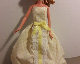 "B 021 Handmade Beautiful Yellow Calico Print Cotton Trimed with ribbon and Lace Gown for Barbie and other 11 1/2"" fashion dolls"