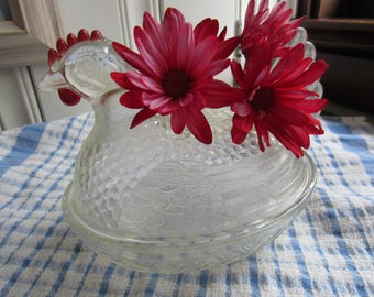 Vintage Glass Indiana Nesting Hen Dish With Lid/Hen Candy Dish/Vintage Kitchen/Easter Decor/Vintage Decor/Farmhouse Decor/Glass Candy Dish