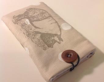 Polkadot pig linen smartphone protective sleeve / case