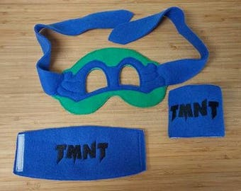 Ninja Turtle Mask and Cuffs, fits the 5x7 hoop