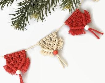 Mini Macrame Bunting Cotton Wall Hanging / Macramé Christmas garland