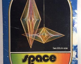 Vintage Space Loom Thread Mobile Kit Geopmetric Thread Design form 1973 unopened