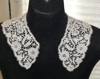 Gorgeous Antique Carrickmacross Lace Collar and Cuffs