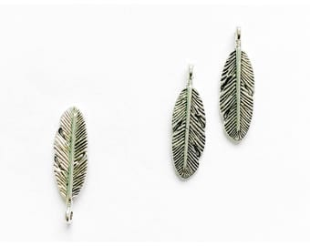 8 Feather Charms / Craft Supplies / Jewellery Making / Beading / Pendants /  Findings /  Antique Silver Plated Feather Charms / B26141