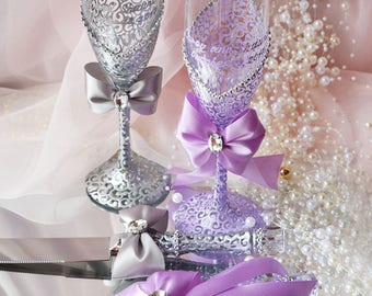 Lilac and Silver Wedding Glasses, Purple Wedding Champagne Flutes, Bride And Groom, Bridal Shower Gift, Lilac Wedding, Wedding gift