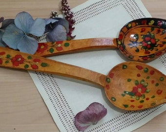 Set of 2 Vintage Hand Painted Russian Folk Art Black Red Gold Green Spoons Spoon Flowers