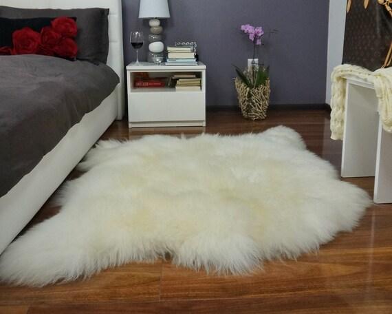 G ant en peau de mouton double xxl blanc jeter v ritable cuir for Tapis en peau d agneau ikea