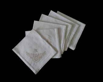 Vintage monogrammed napkin set -- set of 6 cream embroidered napkins with flowers and HM monogram -- 17.25x15.5 inches / 44x39 cm each