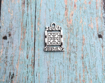 6 I love quilting charms (1 sided) antique silver tone - silver quilting charm, quilter charms, craft charms, I love quilting pendants, F13