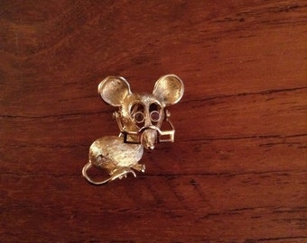 Vintage Avon Mouse with Spectacles Pin 1970's