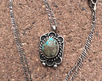 Pretty Native American turquoise pendant necklace
