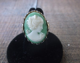 Vintage 1960's Green Cameo Ring Adjustable, Leaf details on sides,  Pretty & Vintage!  Classic and Timeless Cameo Ring