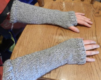 Outlander Inspired Claire Arm Warmers Grey  V5631