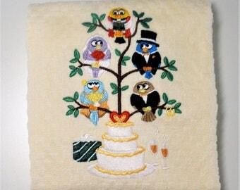 "Wedding Towel, Wedding Gift, Wedding Decor, Gift For Bride, Bridal Shower, Kitchen Shower, Wedding Hostess, Dish Towel  ""Tweet-imony"""