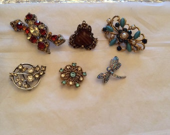 Excellent selection of costume brooches