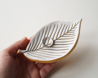 Leaf Plate, Wedding Ring Plate, Ring Holder, Wedding Ring Pillow, Jewelry Holder, White Leaf, Ceramics and Pottery, Pottery Leaf
